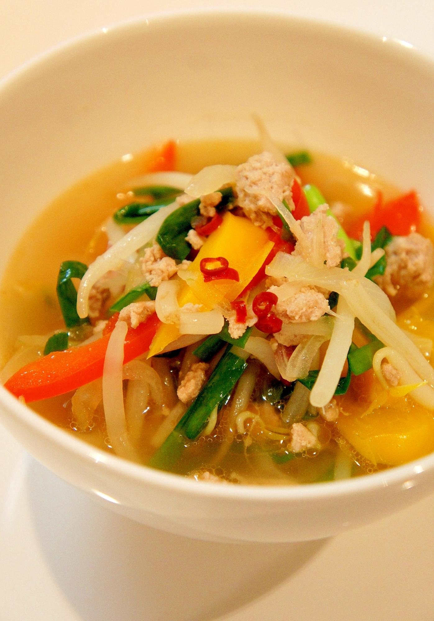 ピリッとあっさり具だくさん♪ピリ辛野菜スープ