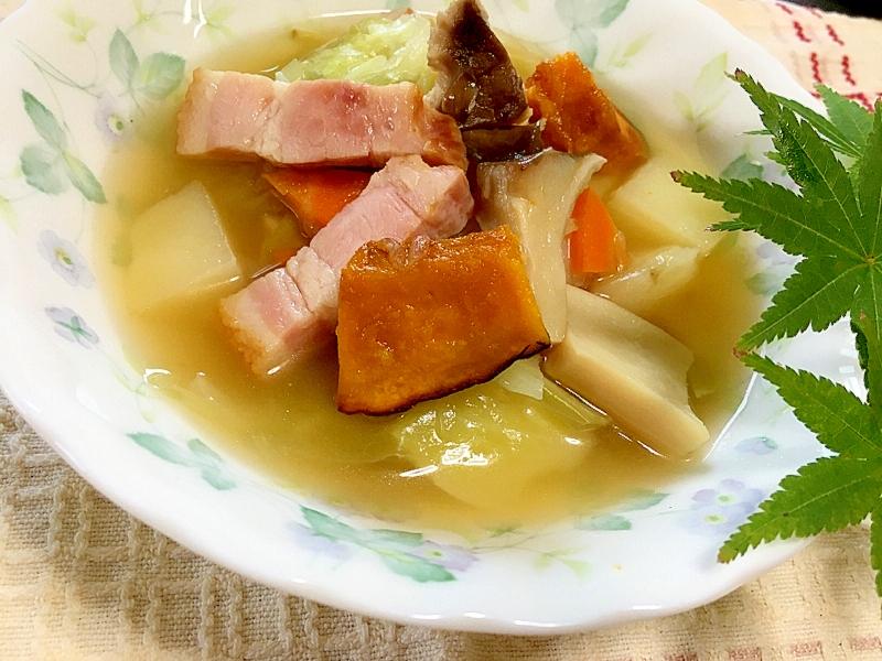 1. 生姜とコンソメ野菜のスープ