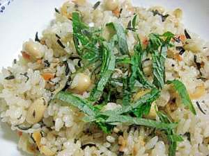 大豆とひじきの炊き込みご飯