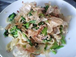 小松菜と挽肉de焼きうどん