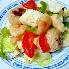 海鮮、肉団子とキャベツのうま塩炒め