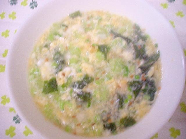 市販のスープに蕪の茎&卵inで具沢山スープ~☆