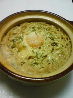 キムチ鍋の素で焼きそば麺のラーメン風