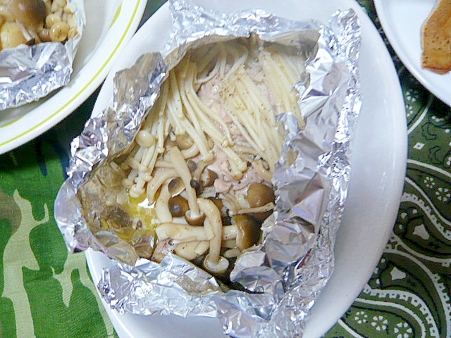 バターの香りがたまらない!鶏のホイル焼き