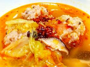 白菜と肉団子の春雨スープ