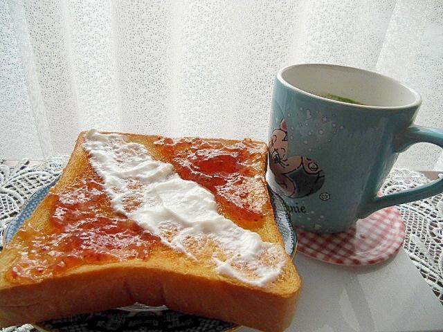 青汁とトースト
