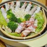 土鍋de蒸し料理♪豚バラ巻き巻きベーコン巻き巻き