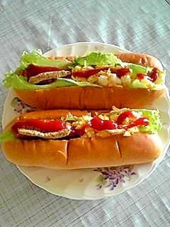 チーズ卵とウインナーのハーフ&ハーフdeサンドパン