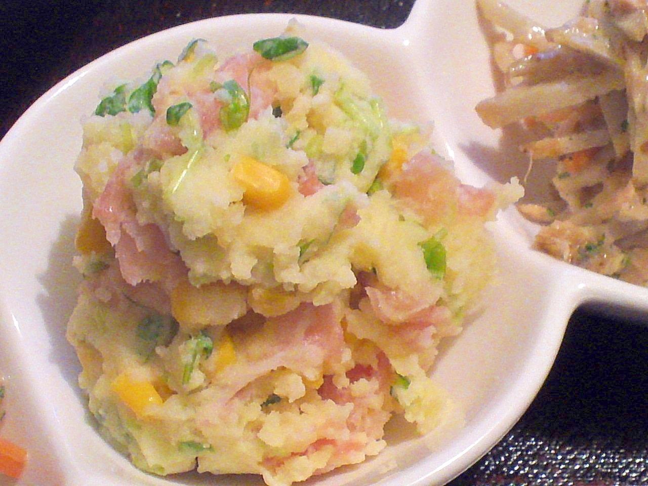余り物で★生ハム・コーン・豆苗のポテトサラダ