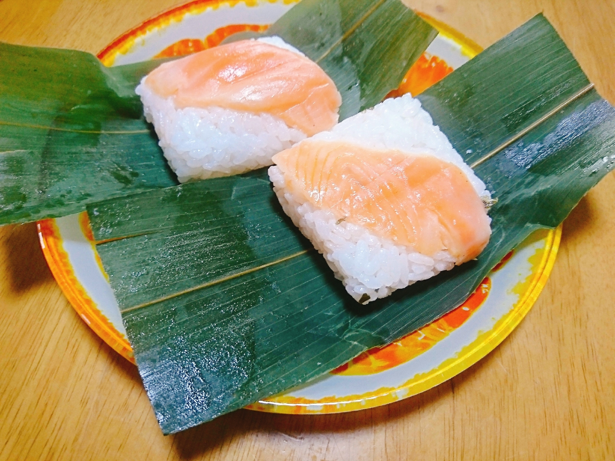 牛乳パックで簡単!マスの笹寿司