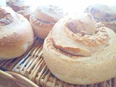 メープルピーナッツのぐるぐるおやつパン