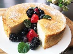 エンゼルフードケーキ 甘さ控えめで父の日に