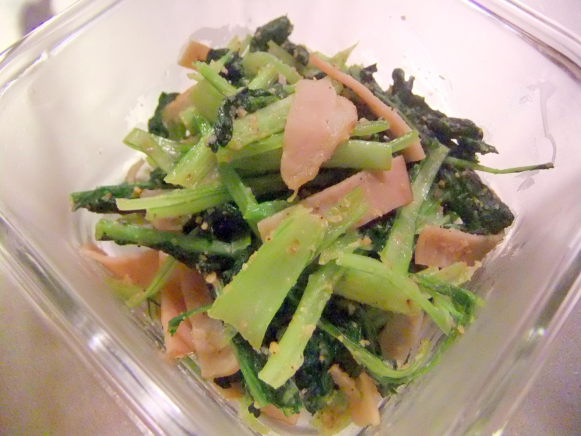 カルシウムたっぷり!小松菜とハムのゴマ炒め