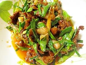 豚バラ肉と韮の甜麺ジャン炒め