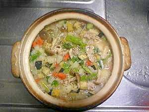緑黄色野菜たっぷり☆野菜とチキンの洋風雑炊