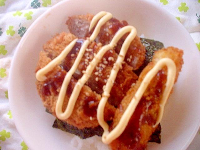 酢飯でメンチカツと大葉あじフライの海苔どんぶり
