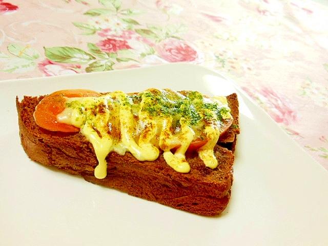 トマトと青海苔カレーの胡麻チーズトースト