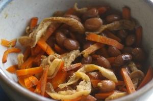金時豆とお揚げと人参の炊き合わせ