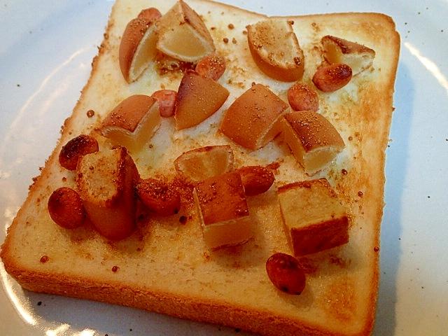 白餡まんじゅうと落花生のトースト
