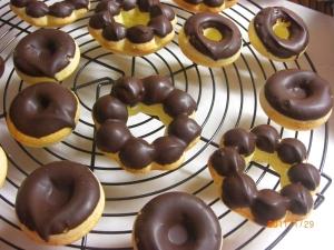 バレンタインに!!お子様と簡単焼きドーナツ