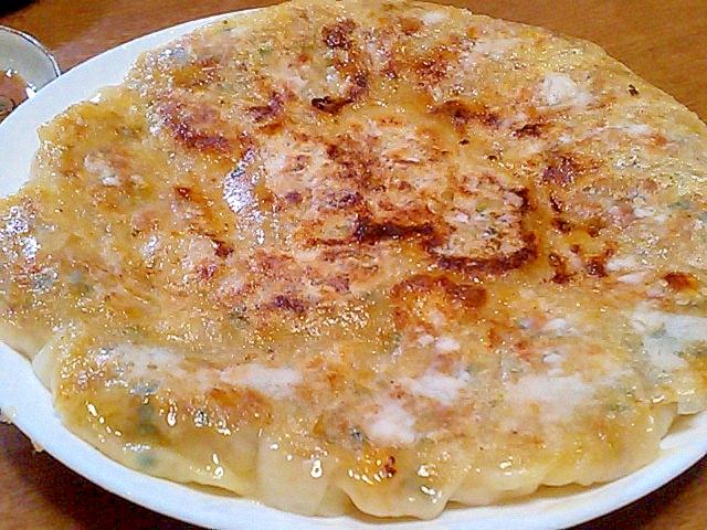 ドライカレーの残りで簡単チーズinカレー餃子