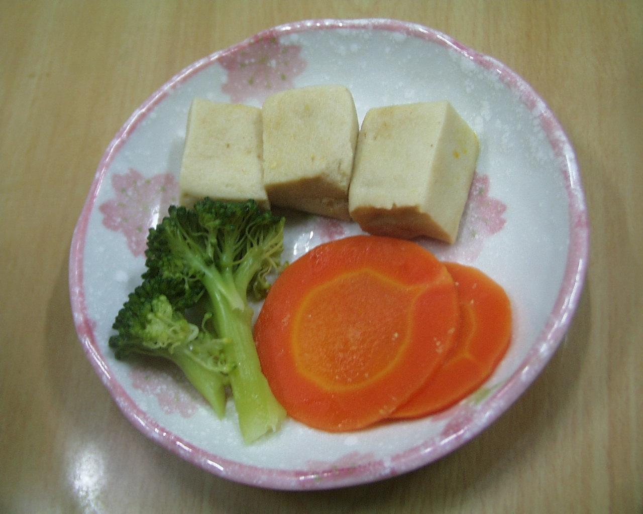 高野豆腐のかつおだし煮の添え物