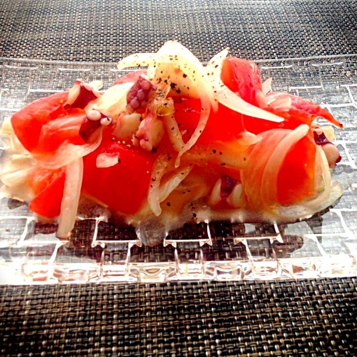 タコと玉ねぎトマトのマリネ