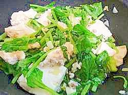 簡単♪たっぷり小松菜と豆腐の挽肉炒め