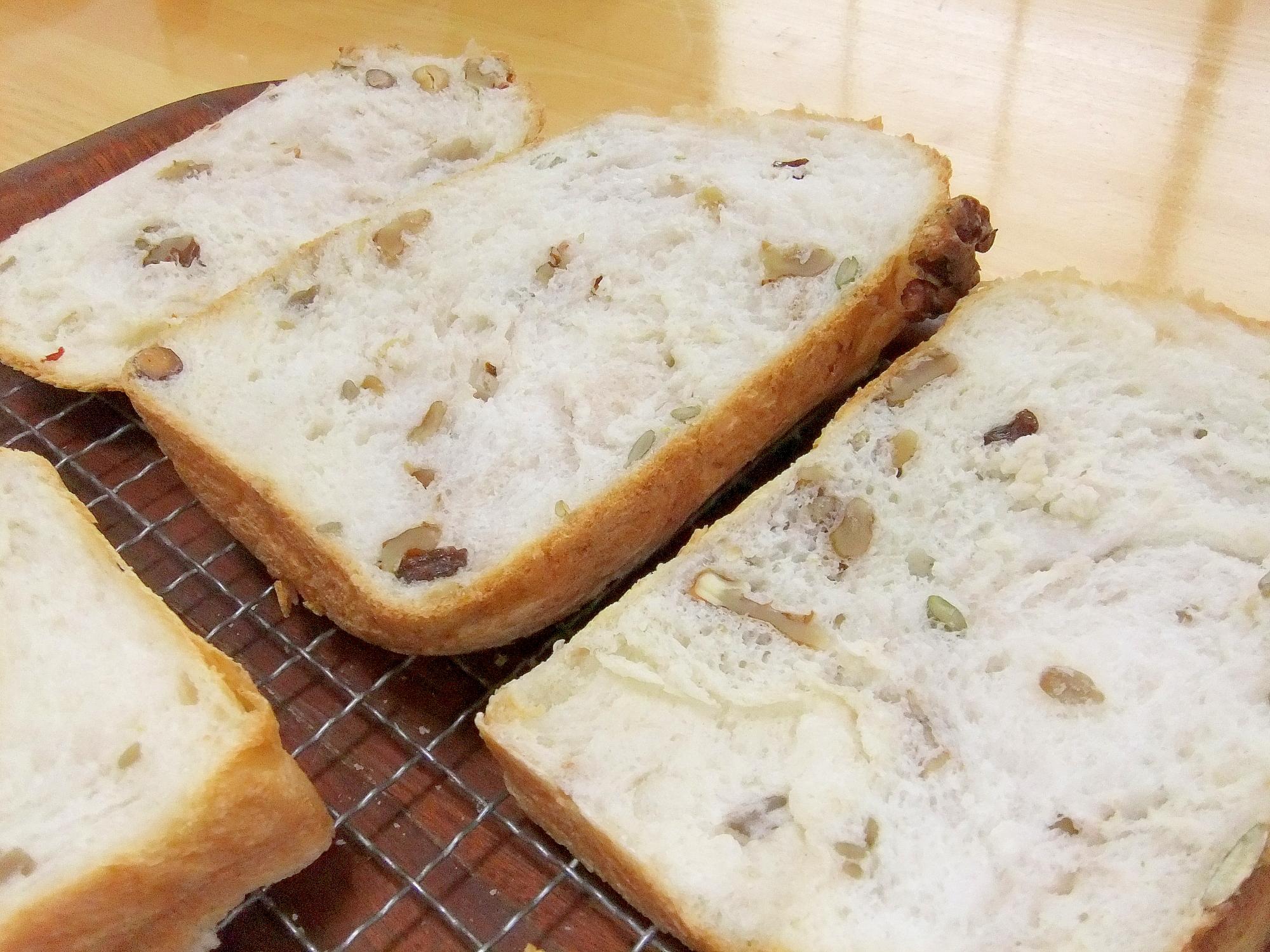 スイカ、カボチャ、ヒマワリの種のパン