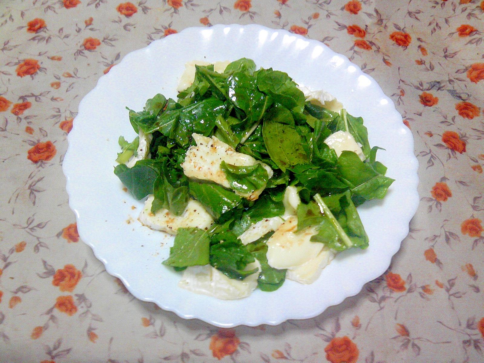 ルッコラとカマンベールチーズのサラダ