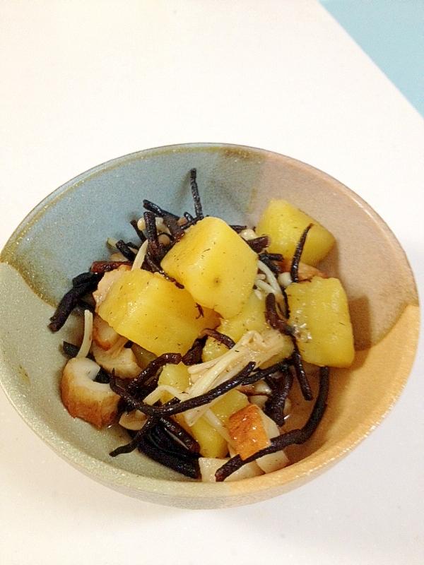 秋のサツマイモとひじきの煮物