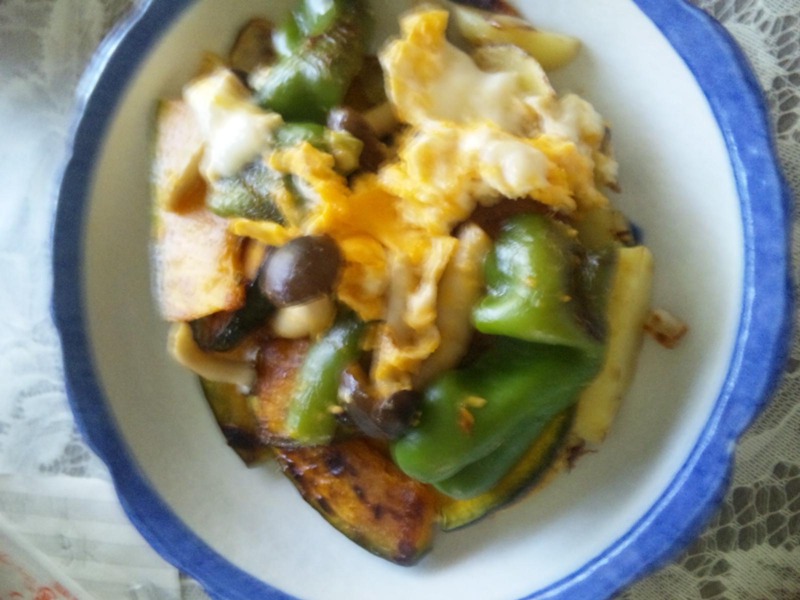 野菜、きのこたっぷり卵炒め