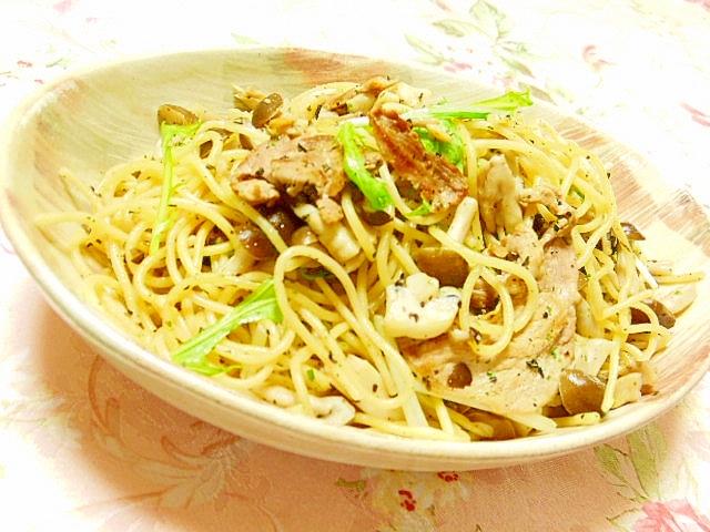 水菜と3種の茸と豚肉のマヨ・バジリコパスタ
