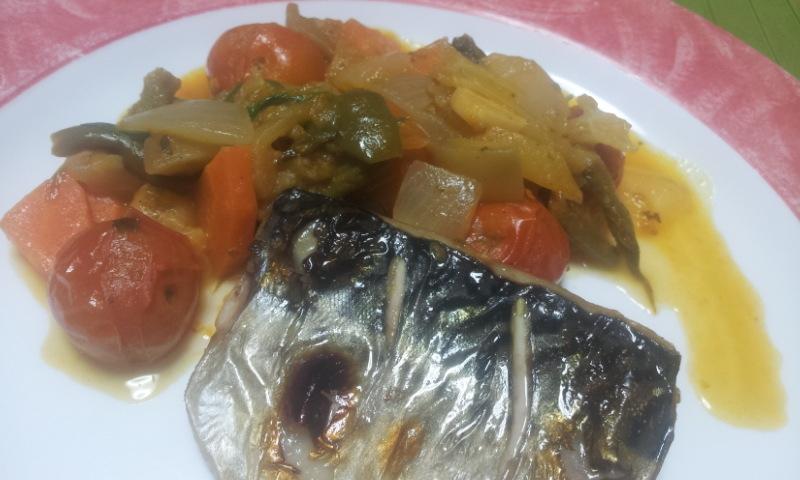 残り野菜のラタトィユソースで鯖