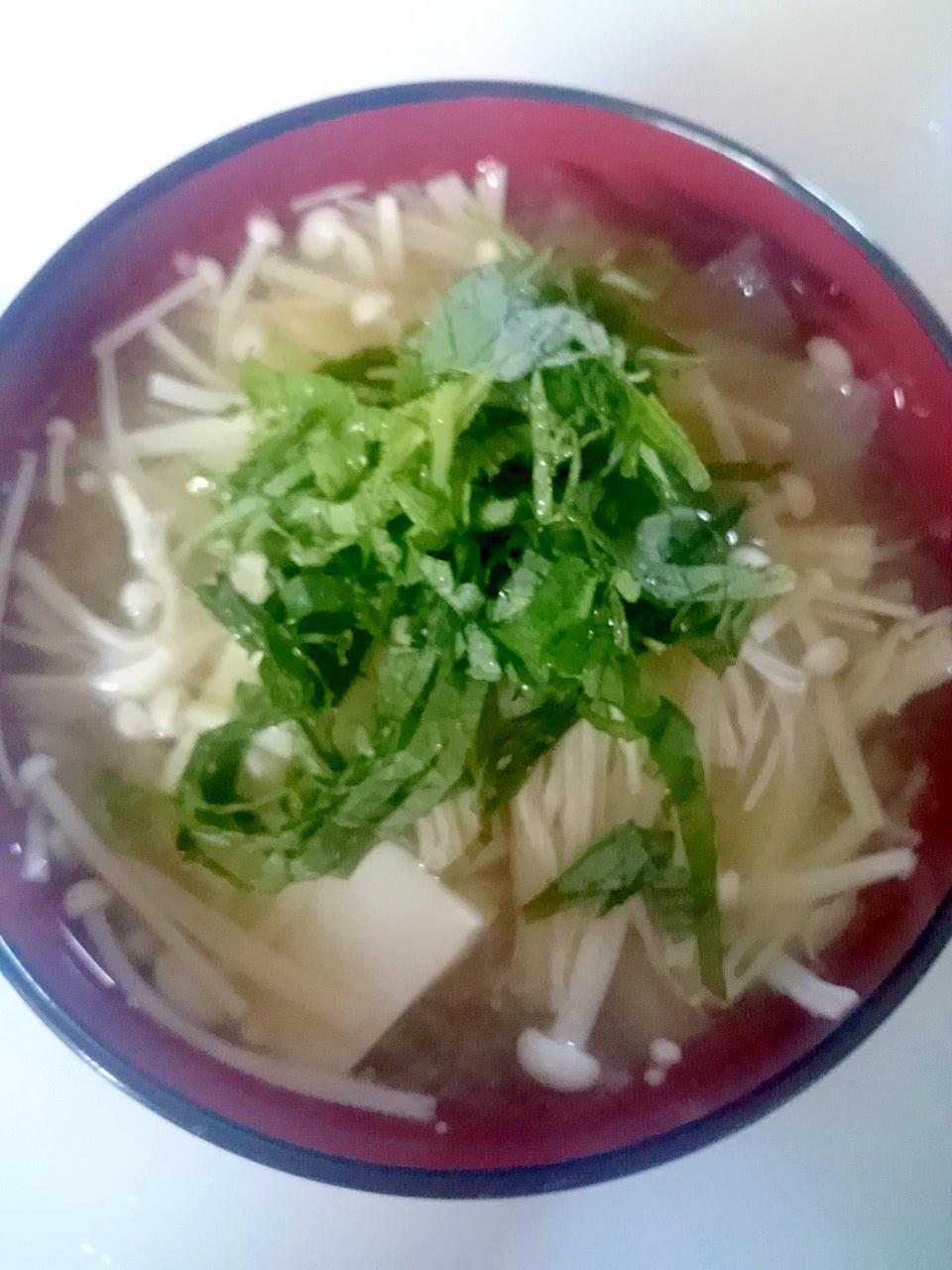 タップリ野菜と豆腐としその味噌汁