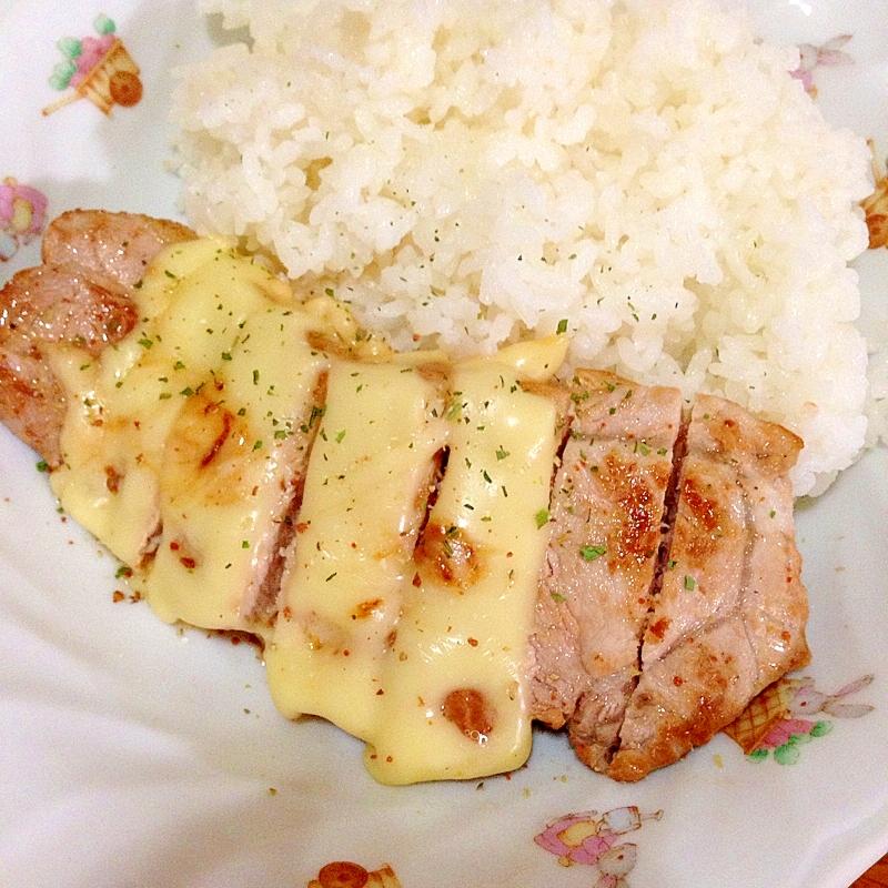 チーズ豚肉ソテー