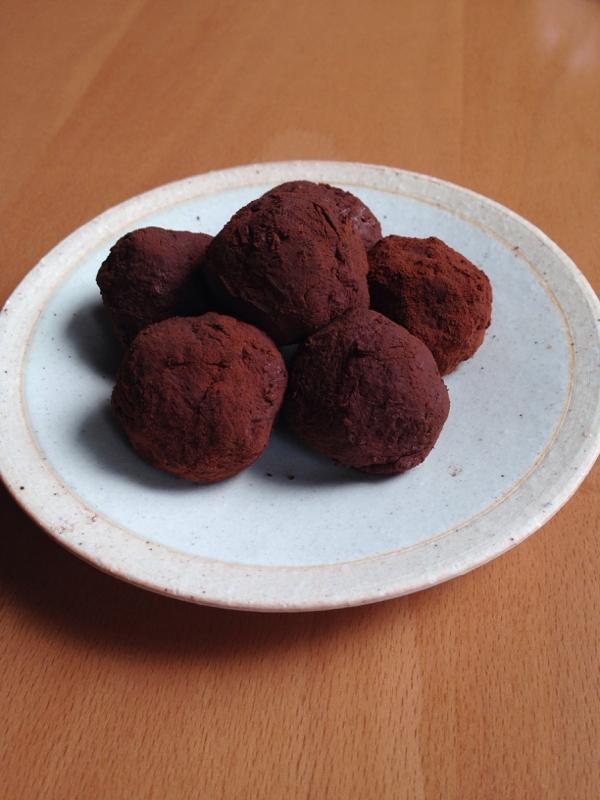 1. お豆腐トリュフ