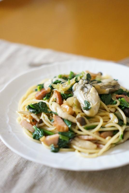簡単具だくさん!牡蠣とほうれん草のバター醤油パスタ レシピ・作り方