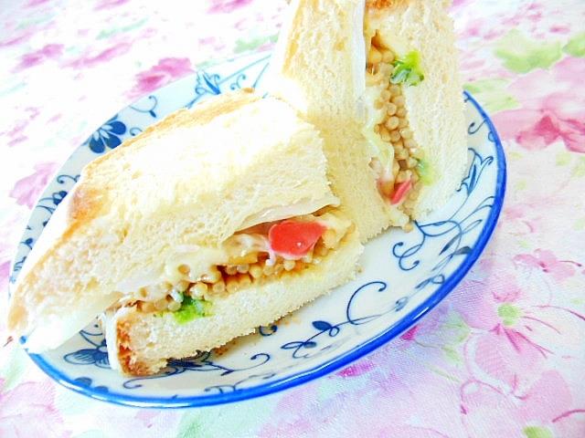 玉葱と焼きそばのチーズ・HOT・サンドイッチ