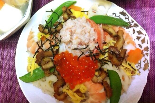 混ぜ込み+飾りのゴージャスちらし寿司