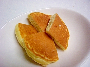 豆腐でボリュームUP^^モチモチホットケーキ