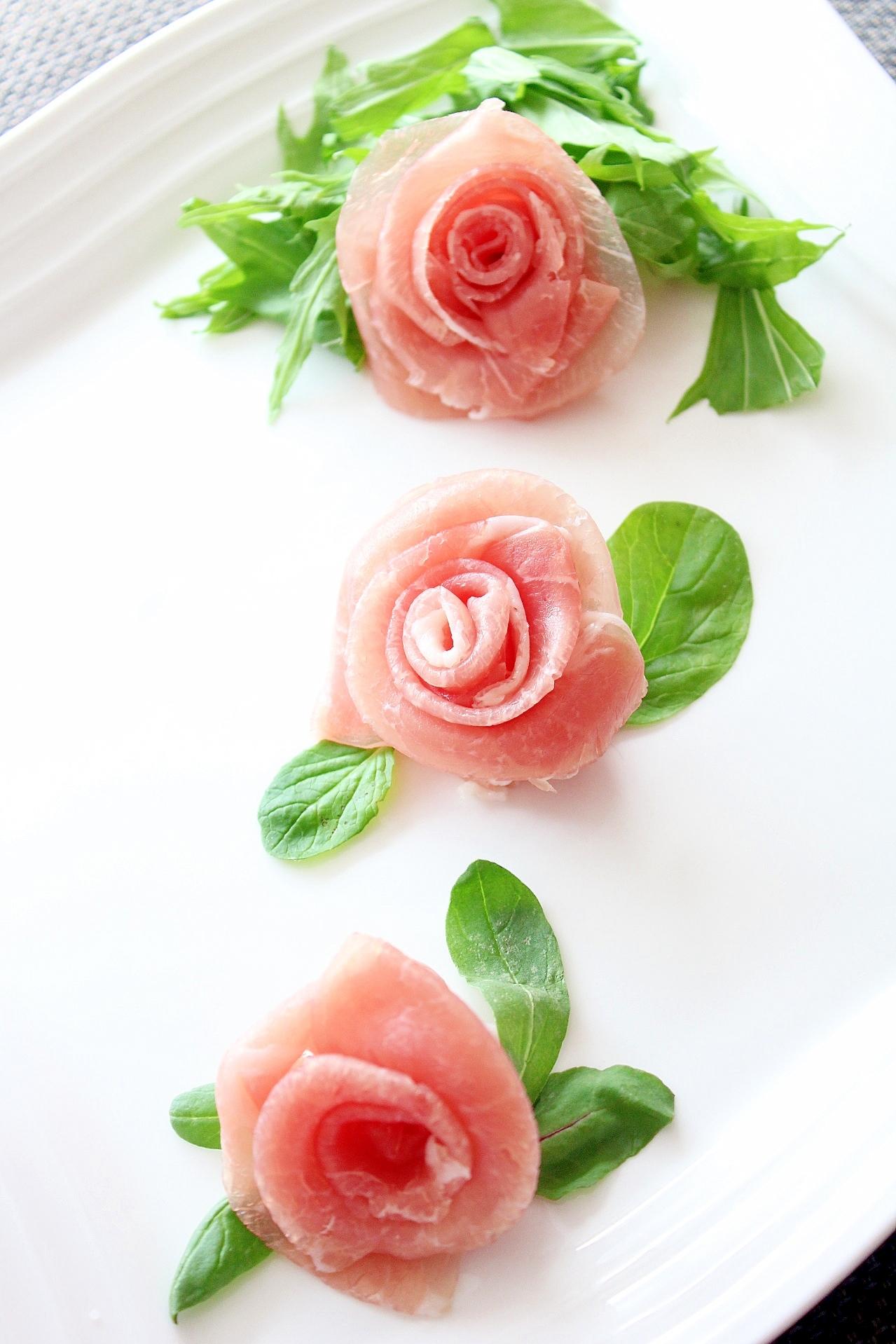 簡単おしゃれ!生ハムで作るバラ