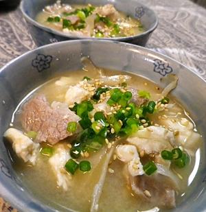 ごぼうと豆腐の豚汁