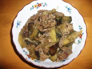 茄子がいっぱい食べれる牛肉の中華炒め