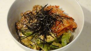 アボカド☆納豆☆キムチで簡単♪3色丼