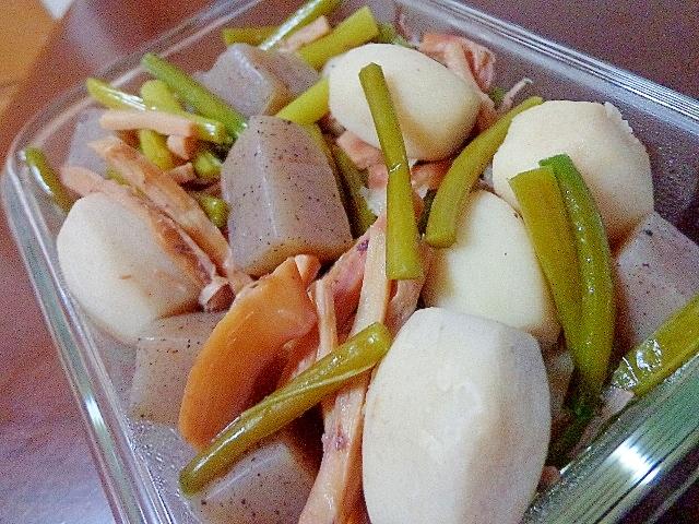 ごろごろ里芋蒟蒻とにんにくの芽の煮物