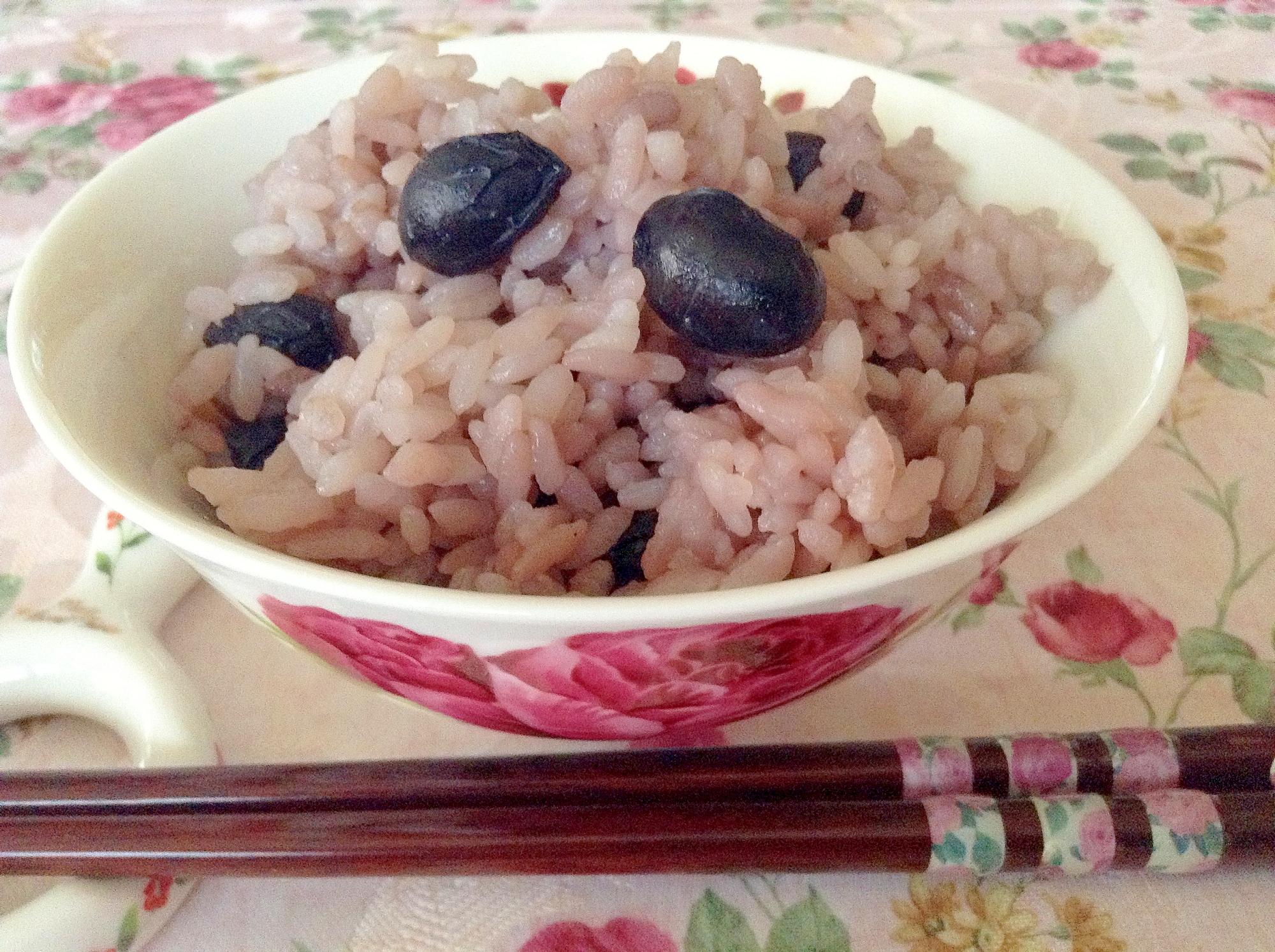 ほっこり美味しい黒豆ご飯