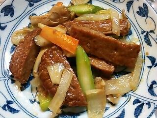 お弁当に♪レトルトハンバーグと野菜の簡単炒め