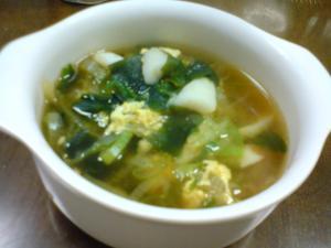 野菜たっぷりのわかめスープ