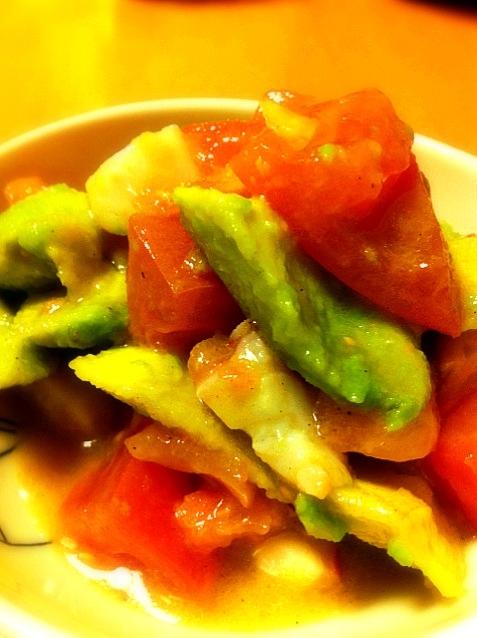 タコとトマトとアボガドのコロコロマリネ